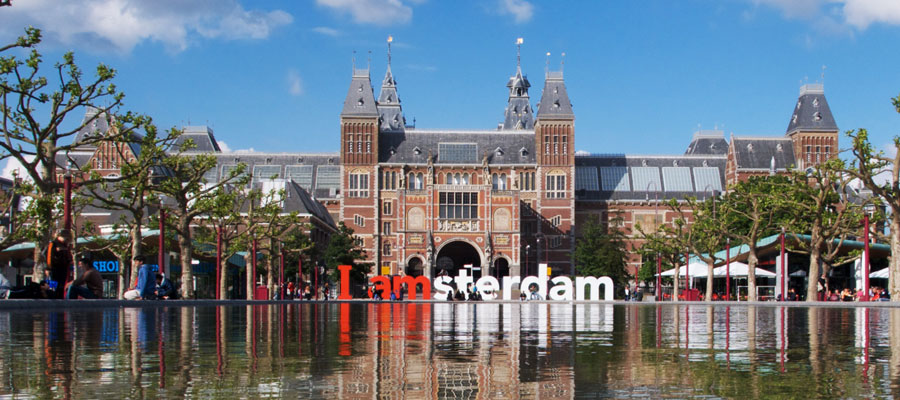 Smart City Challenge >> Cities of Innovation: Amsterdam as a Hyper-Connected City