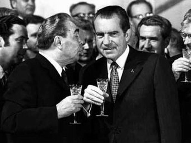 Leonid Brezhnev and Richard Nixon in Moscow, 1972