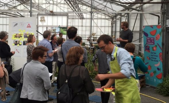 A workshop in Utrecht brainstormed ways fair-trade and local foods could be better promoted at restaurants. (Food Smart Cities for Development)